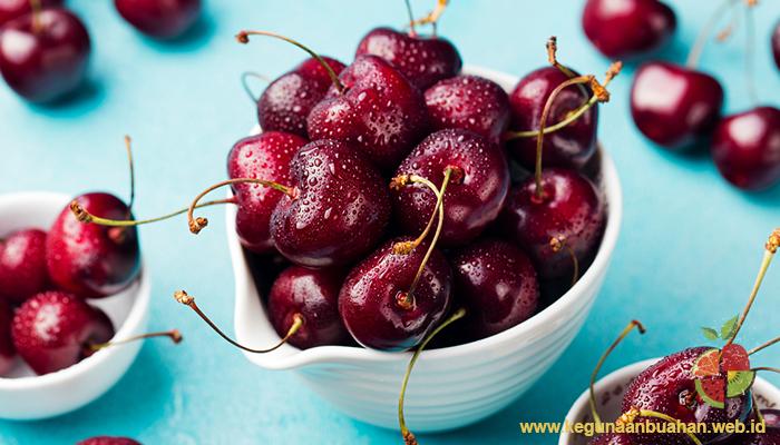 Hidrogen Sianida Yang Mematikan Di buah Cheri